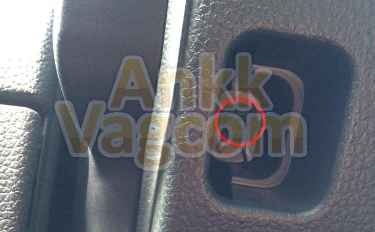 ankk-vagcom_vw_golf_5k_tutorial_volant_cache_inf